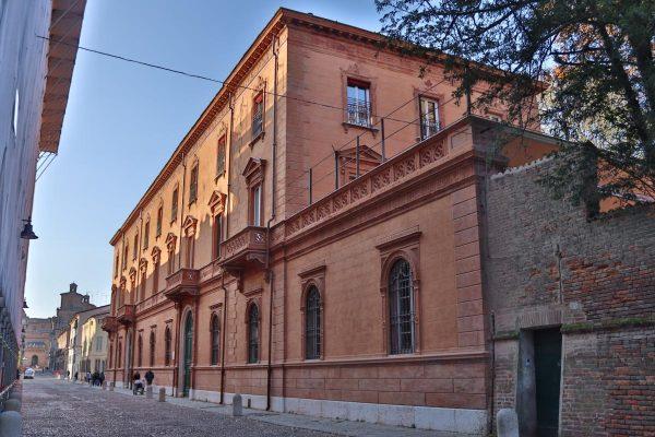 1. Palazzo Gulinelli.