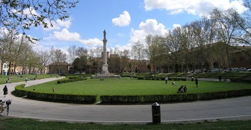 15. Piazza Ariostea.