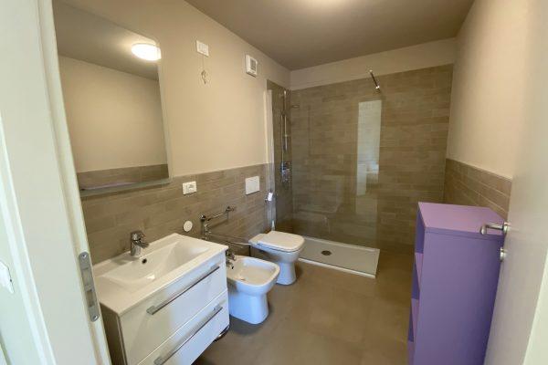 9. ogni tipo di stanza è dotata di un proprio bagno IMG_3976